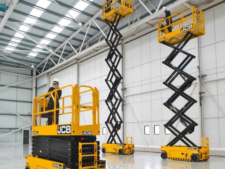 S2646E outdoor-rated JCB electric scissor lift
